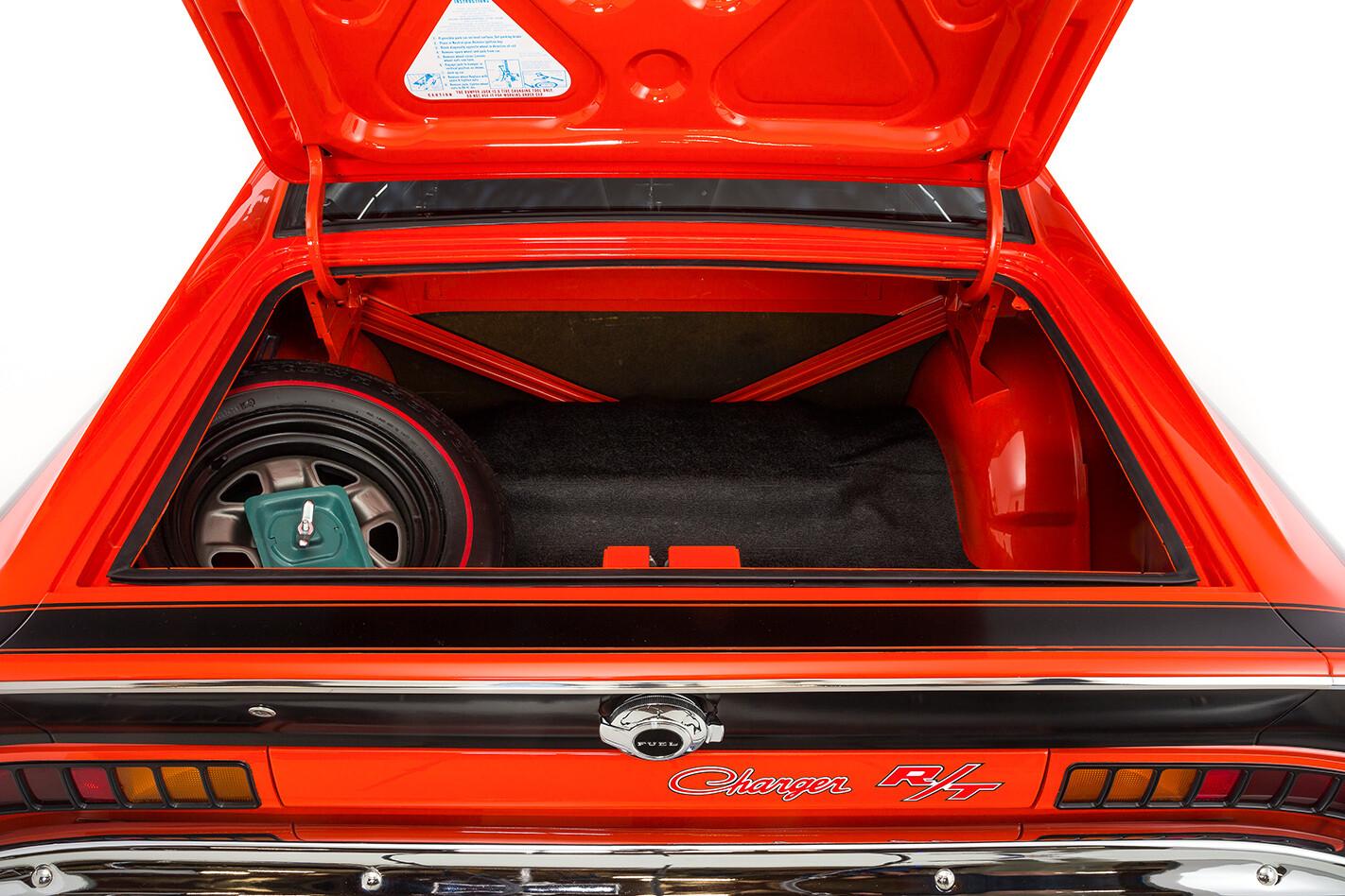 Chrysler Charger boot
