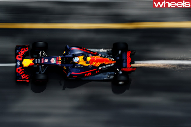 Daniel -Ricciardo -red -bull -driving -top