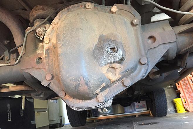 1994 Land Rover Defender 300TDI OIL LEAK