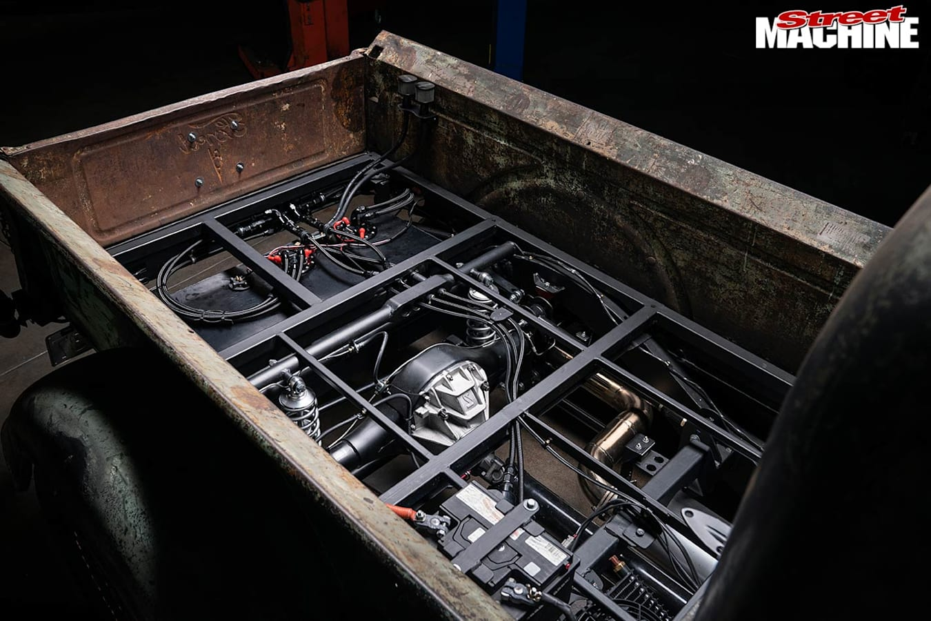 Ford pick-up tray