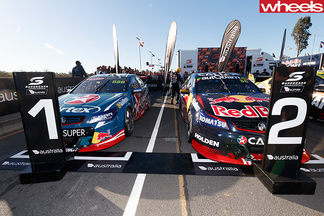 V8 supercars whincup craig lowndes