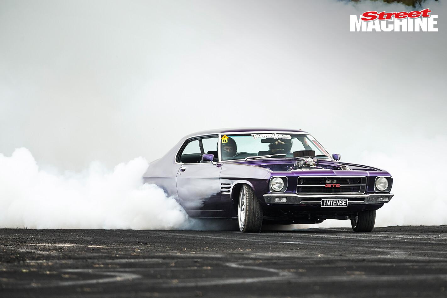 Holden HQ Monaro Burnout INTENSE