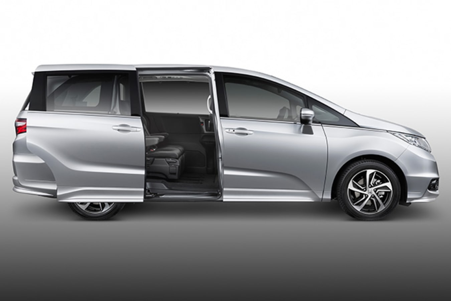 Honda Odyssey-Open-Rear-Door