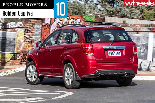 2016-Holden -Captiva -driving -rear