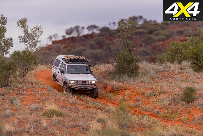 Toyota -hilux -driving -offroad