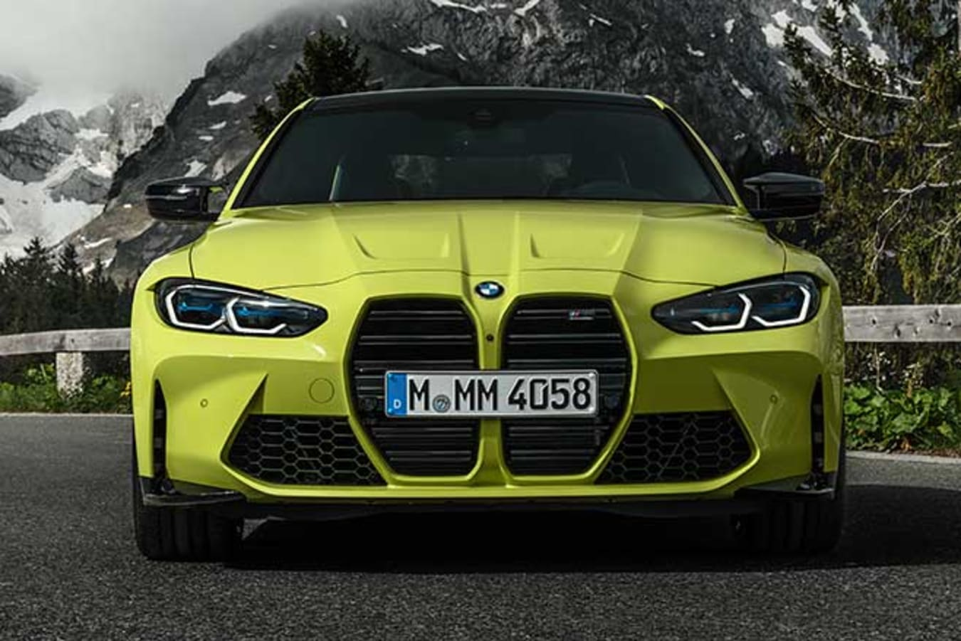 Controversial grille of the 2021 BMW G82 M4 Competition.