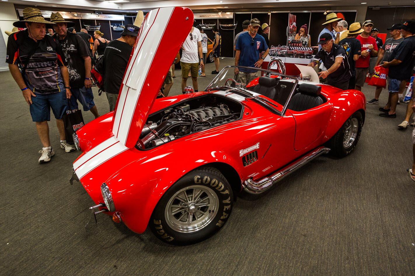 AC Cobra 5 L Coyote V 8 Jpg