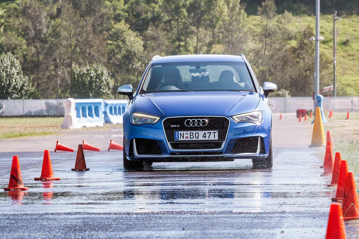 Wet Braking Test - MOTOR Performance Tyre Test 2016