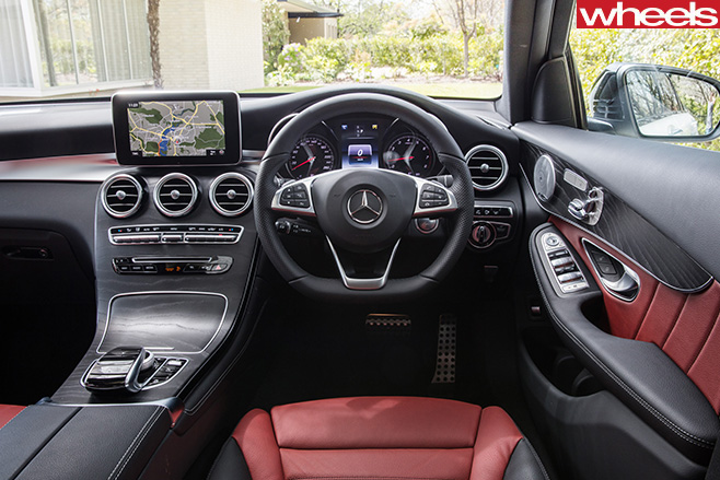 2017-Mercedes -Benz -GLC-interior