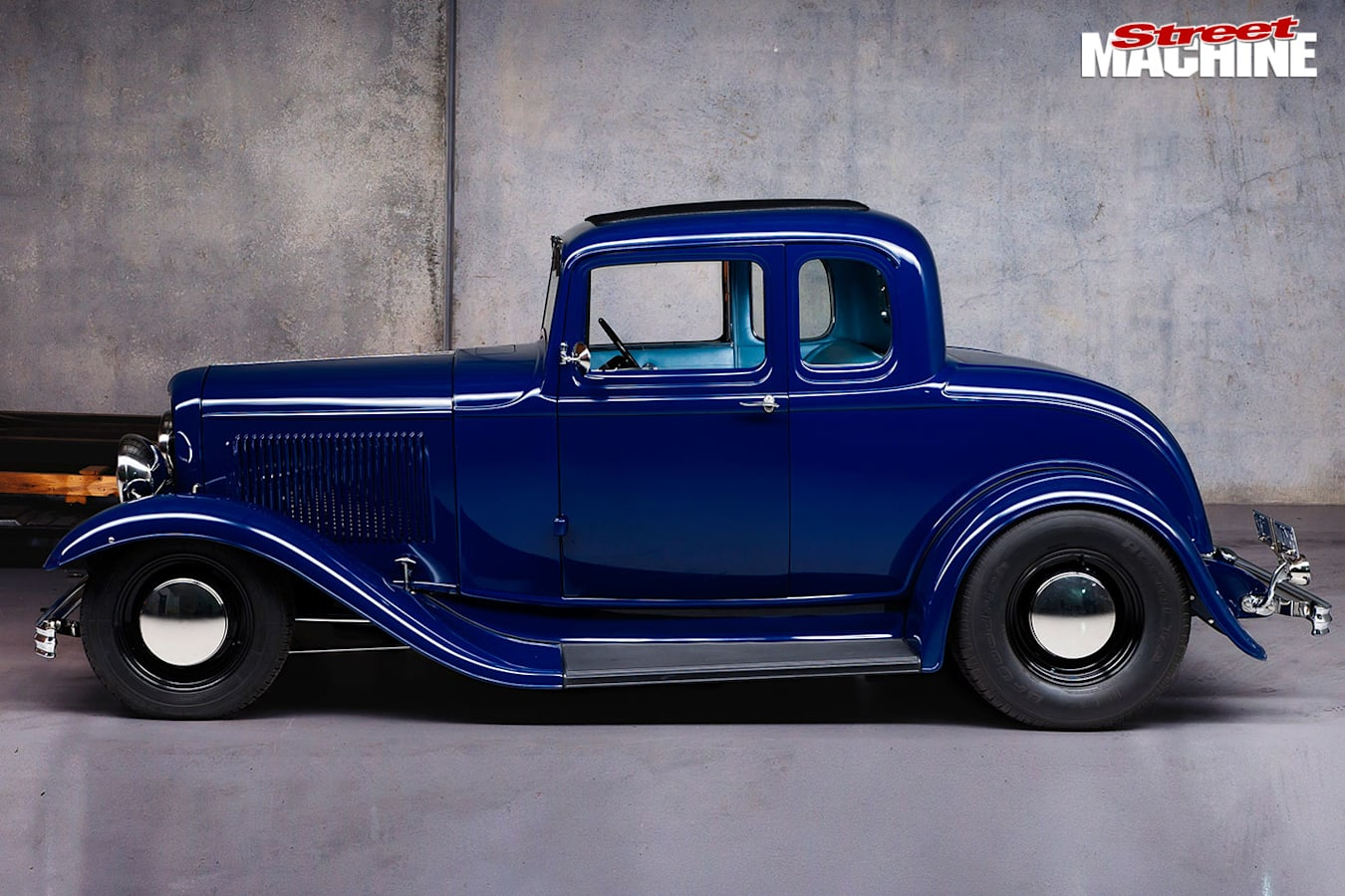 Ford five-window coupe side
