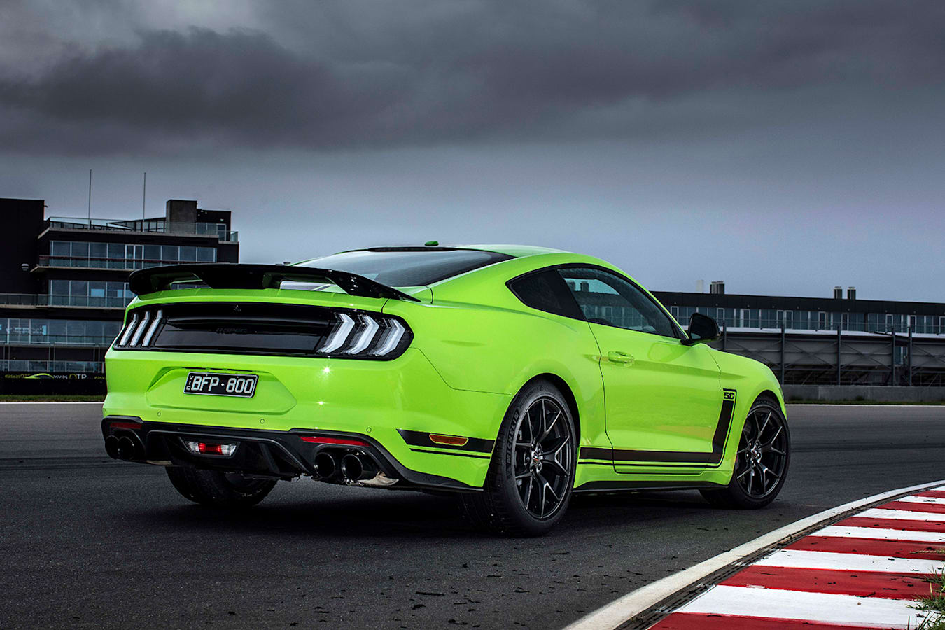 Ford Mustang R-Spec track test