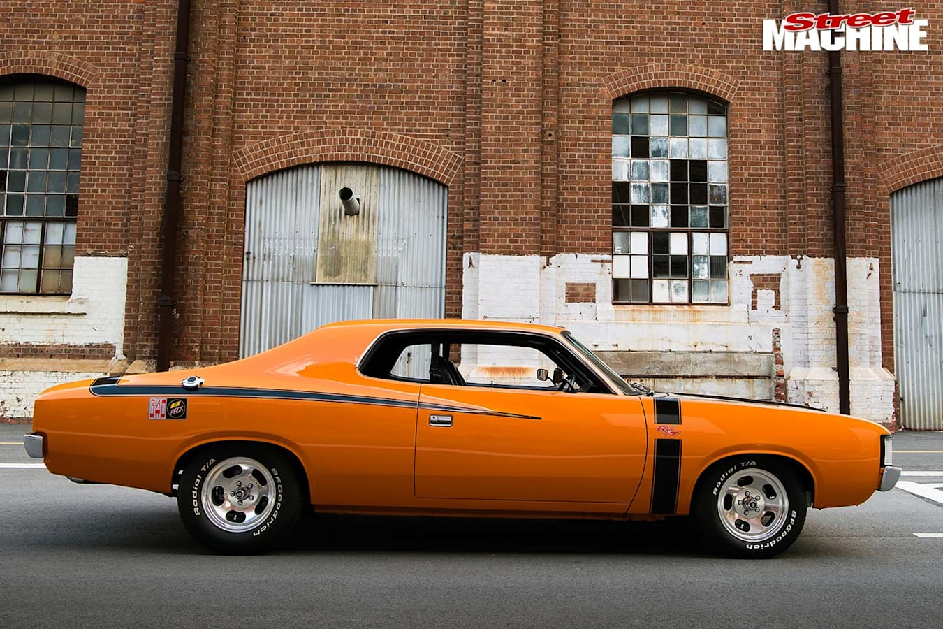 Valiant R/T Pacer side