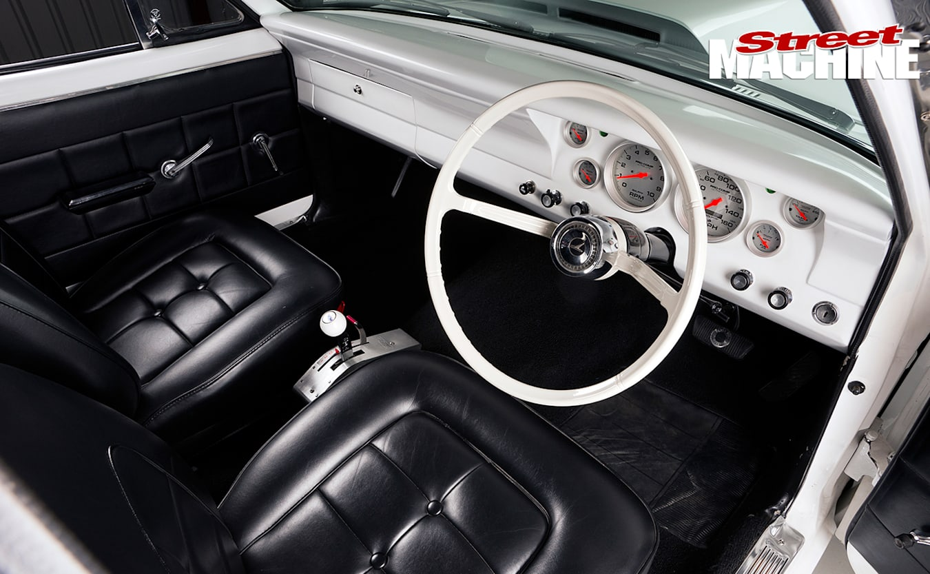 Ford -XR-Falcon -interior -front