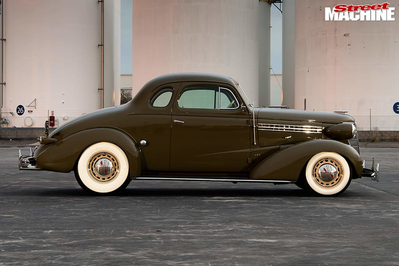 1938 Chev coupe side