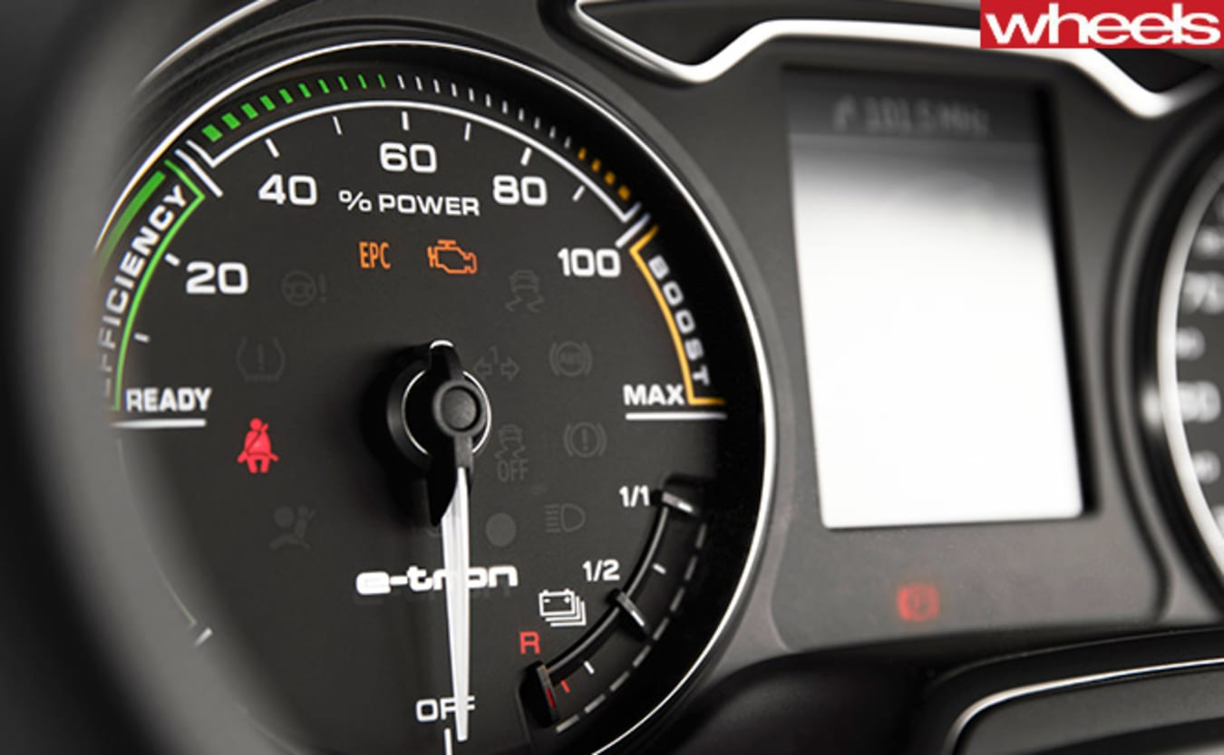 Audi -A3-e -tron -electronic -speed -gauge