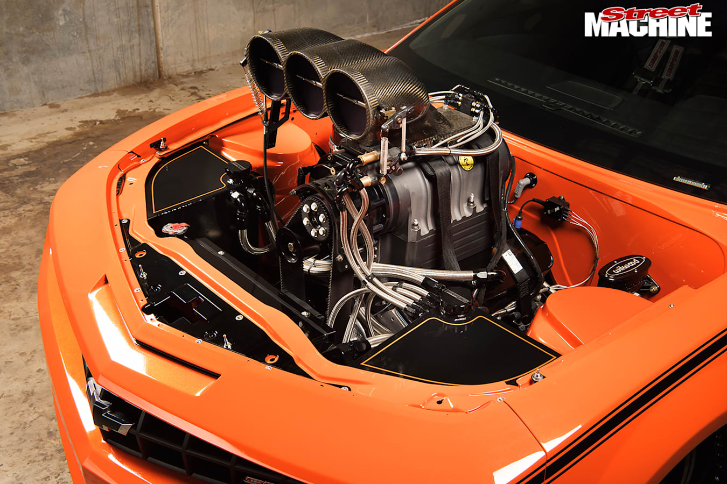 Chevrolet -camaro -ss -engine -bay -2