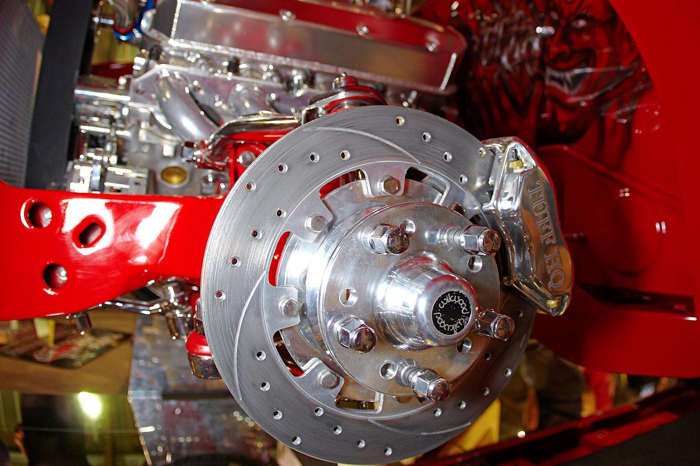 Holden HQ Monaro brakes