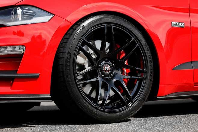 20-inch wheel wearing 275/35 Michelin Pilot Sport 4S