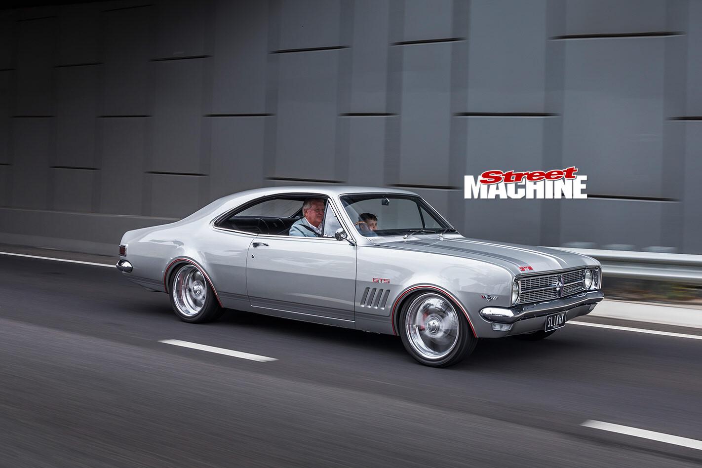 Holden HK Monaro onroad