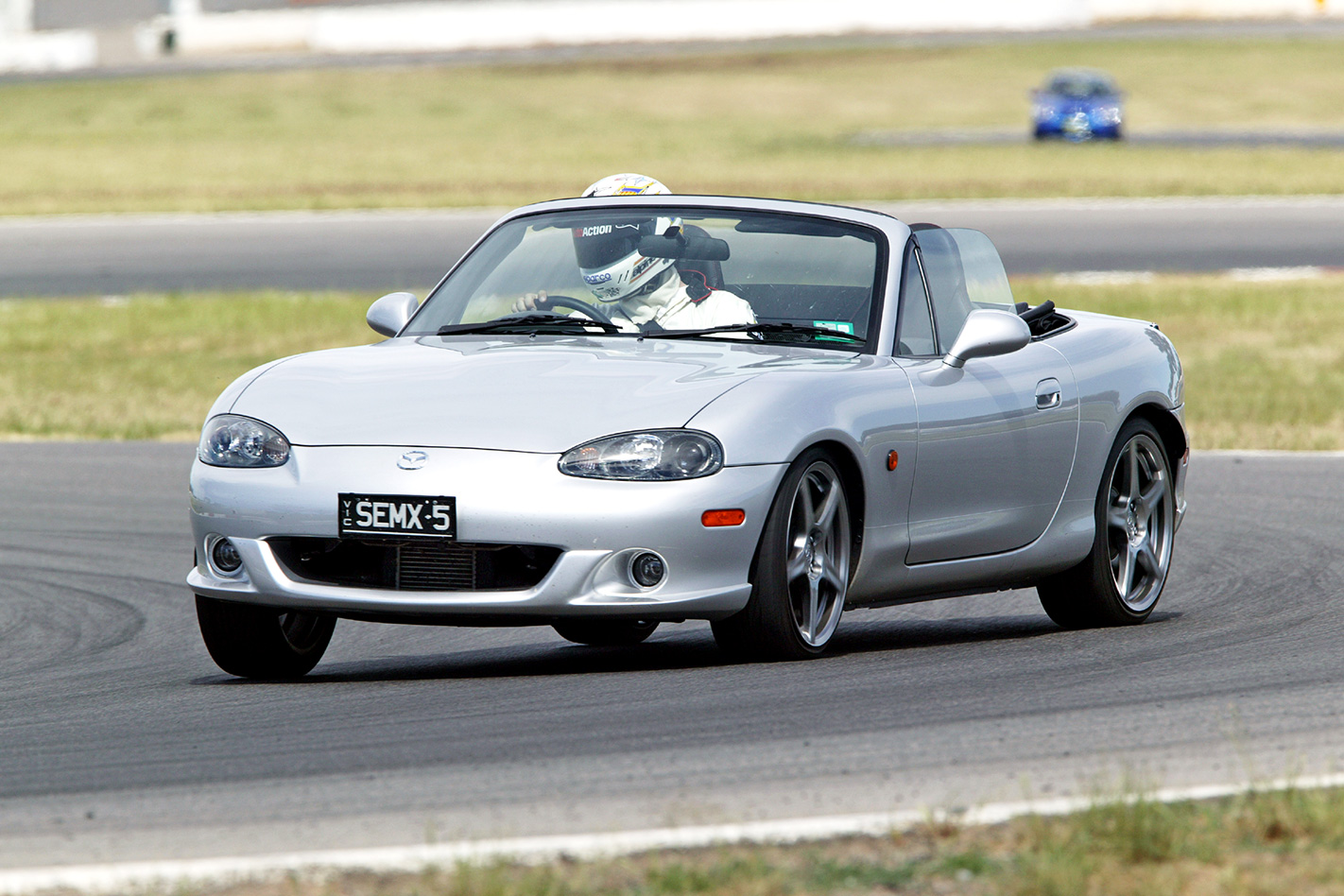 2005-Mazda-MX-5-SE.jpg