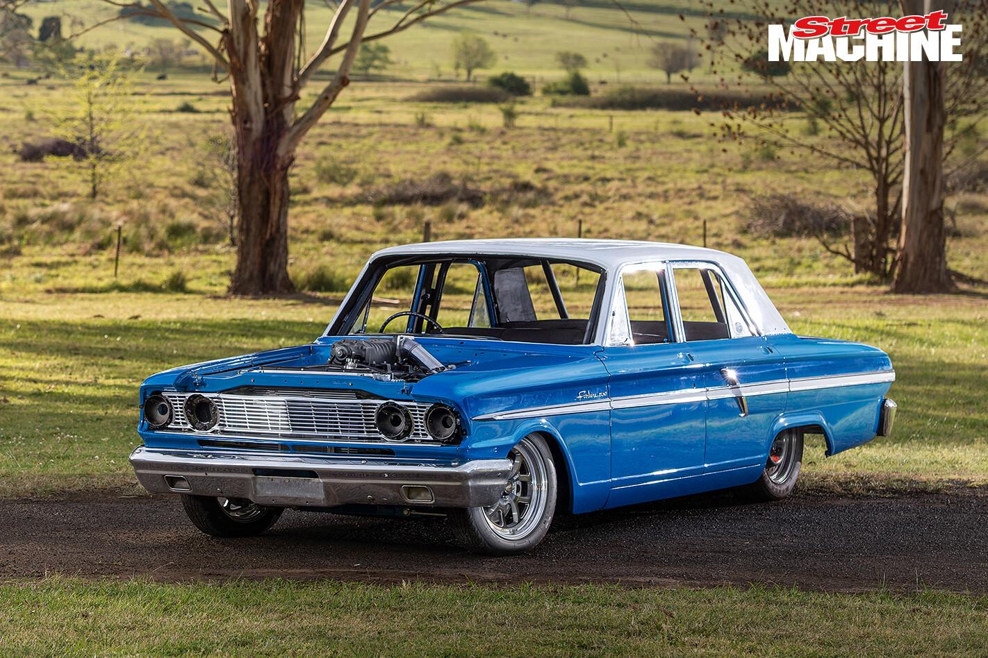 Ford Compact Fairlane V8 4