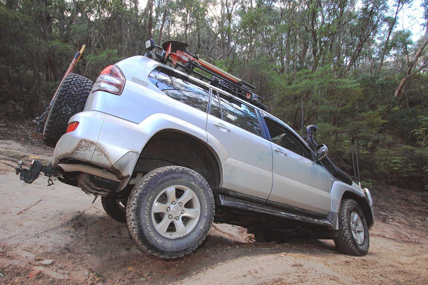 Toyota-Prado-GXL-exterior.jpg