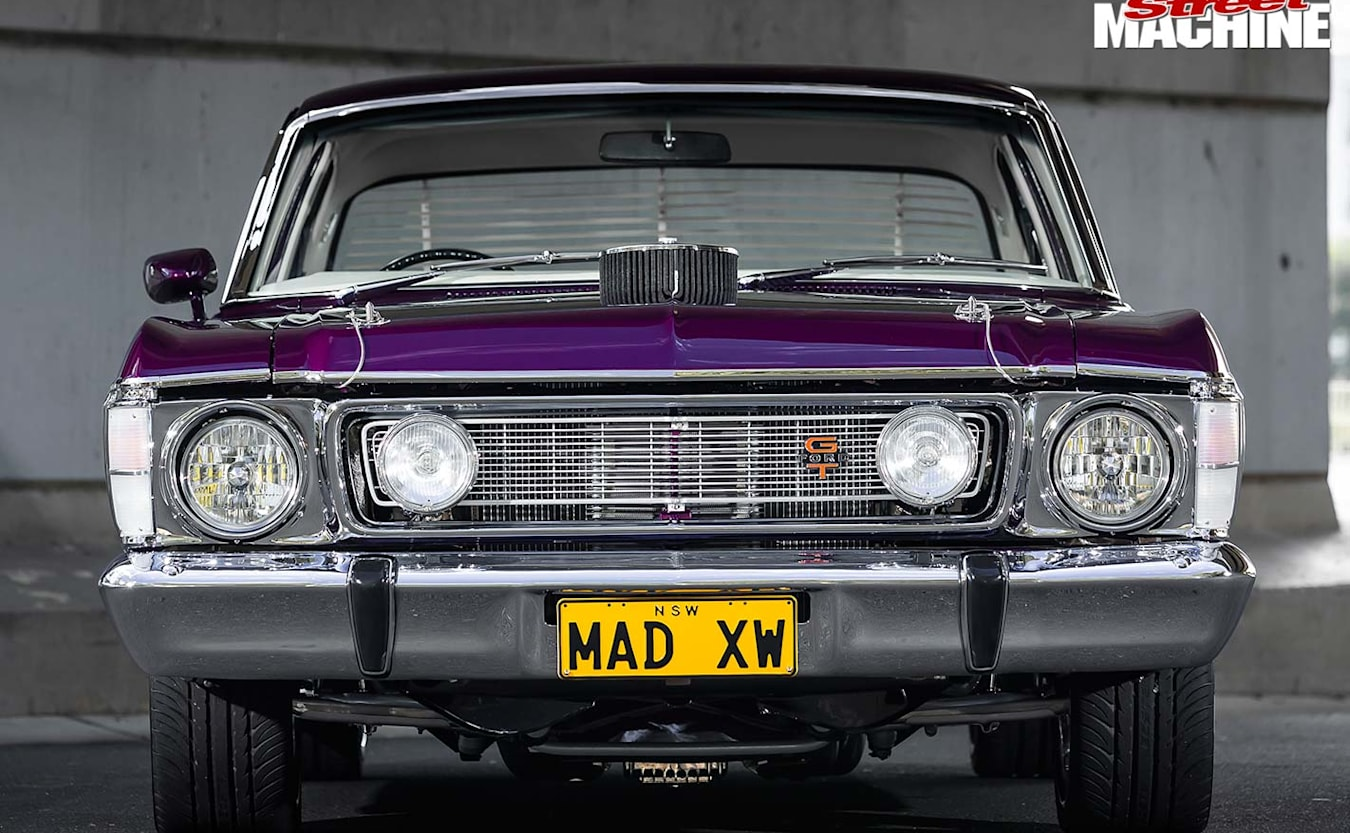 Ford XW Falcon front