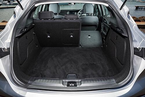 Infiniti Q30 GT boot