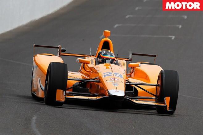 Fernando-Alonso-IndyCar-shakedown-main