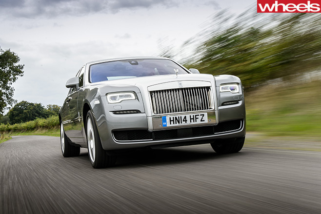 Rolls -Royce -Ghost -driving -front