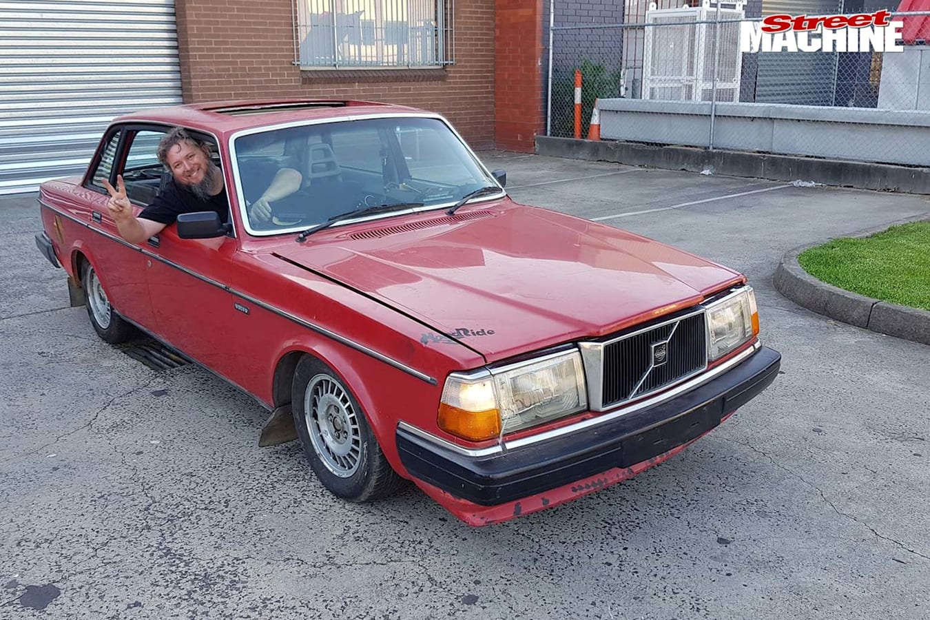 Carnage twin turbo swapped Volvo 240