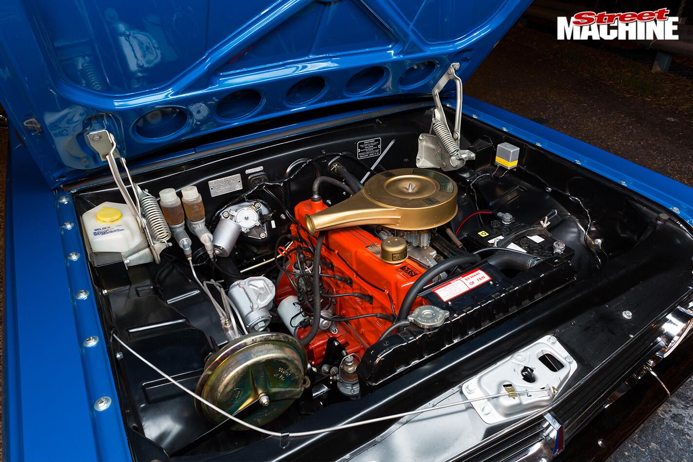 Holden -hr -panel -van -engine -bay