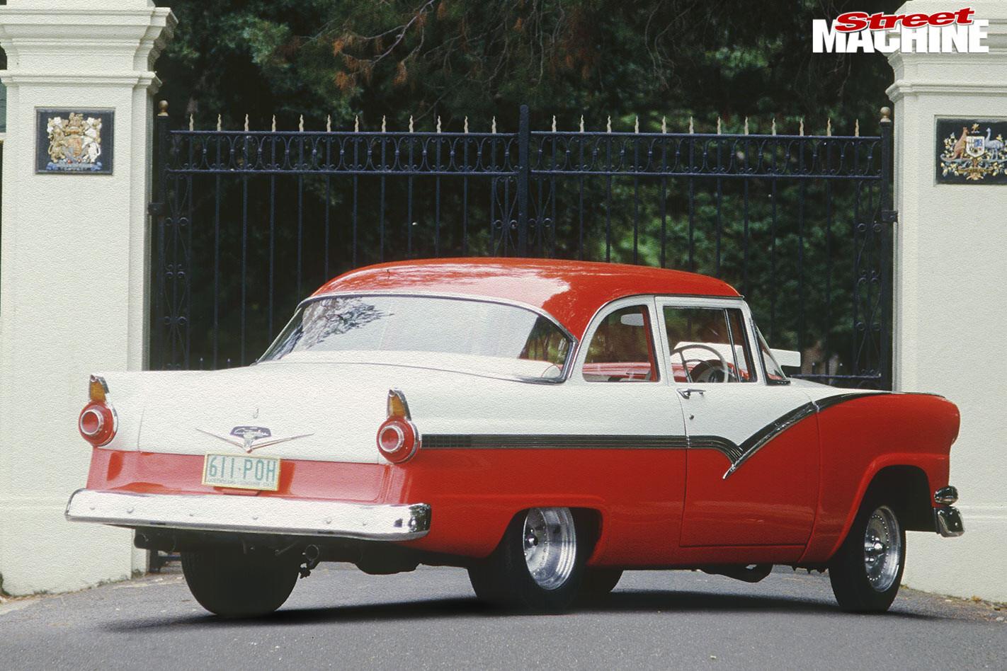 Ford Fairlane Tudor rear