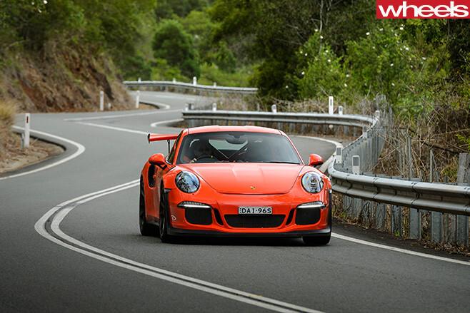 2016-Porsche -911-GT3-RS-front
