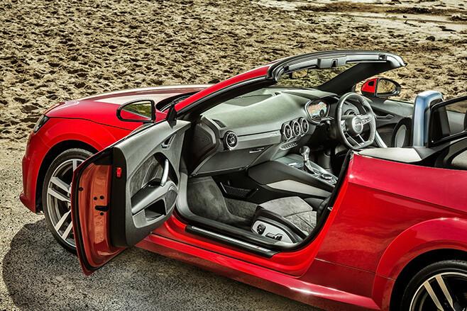 Audi TT Top Side INterior