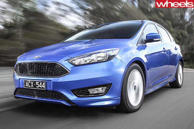 Ford -Focus -front -driving -comparo-