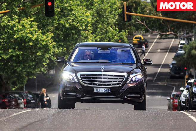 Mercedes -Maybach -S600-front -driving
