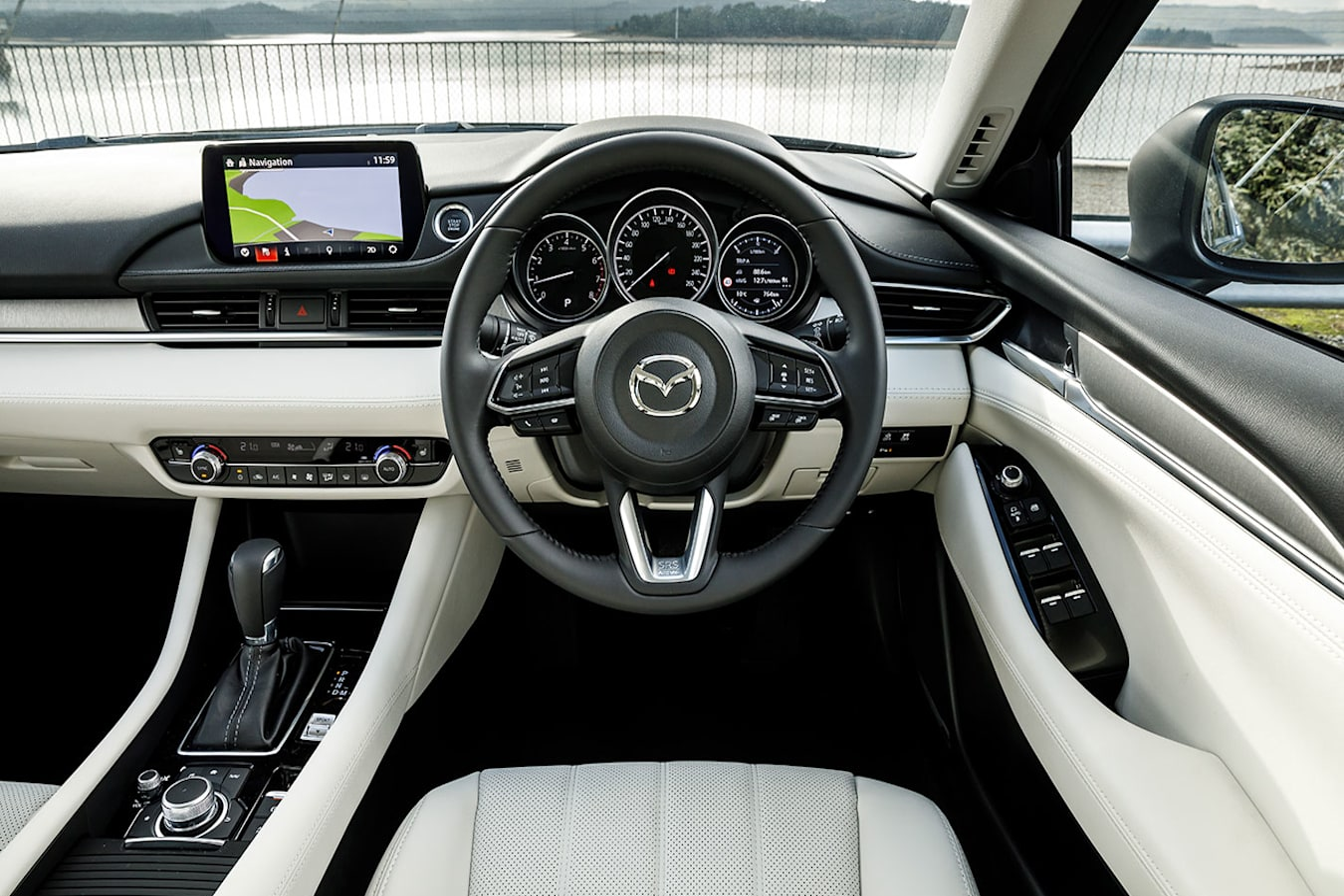 Mazda 6 GT dash
