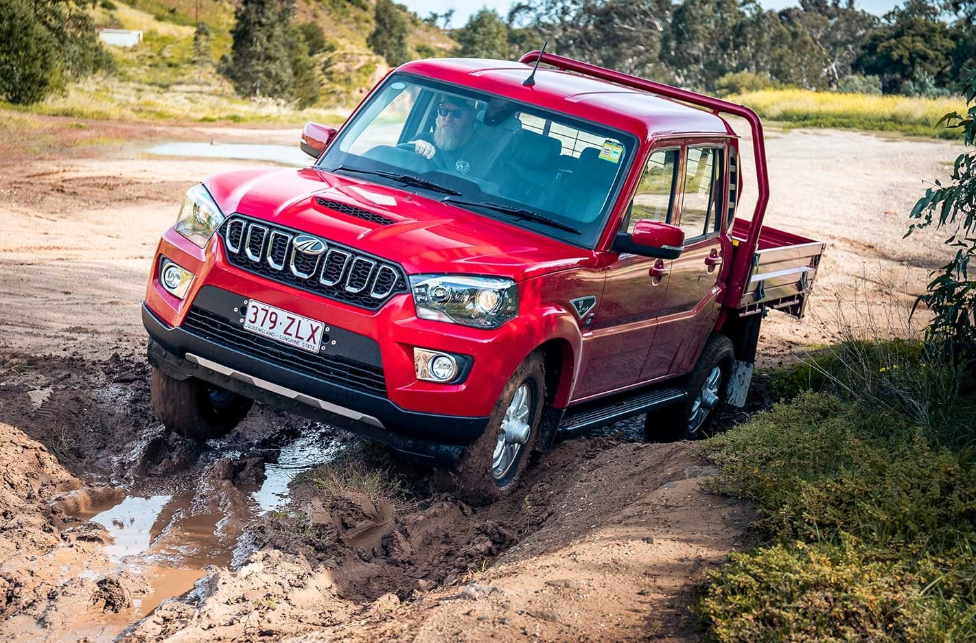 Facelifted Mahindra Pik-Up S10 off-road