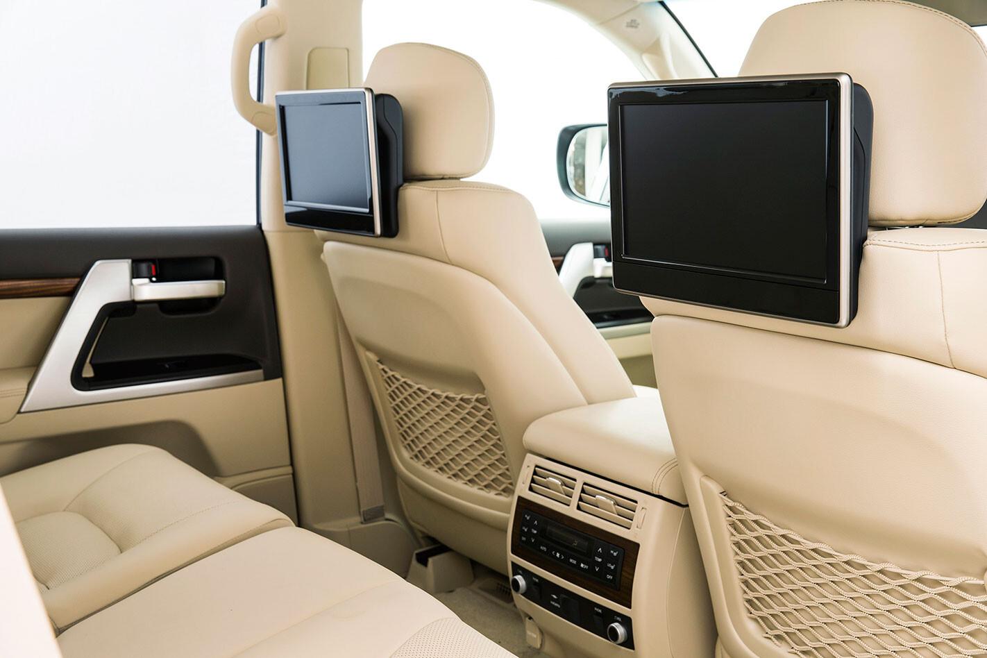https://d3lp4xedbqa8a5.cloudfront.net/s3/digital-cougar-assets/whichcar/2016/04/08/2513/Toyota-LandCruiser-Sahara-2016-rear-tablets.jpg