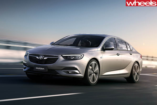 Holden -Insignia -driving -front -side
