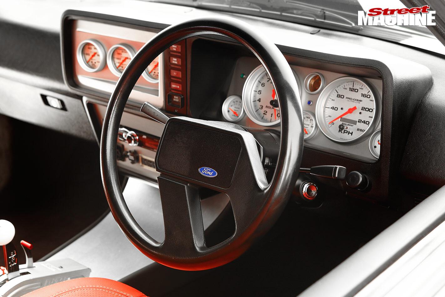 Ford Falcon XD dash