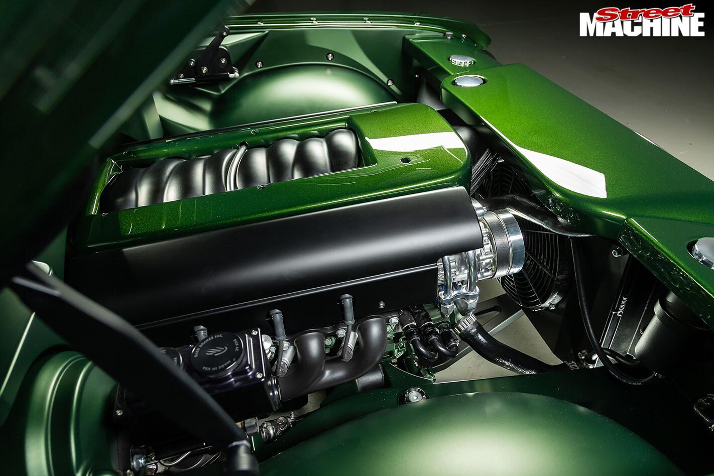 Holden HT Monaro engine bay
