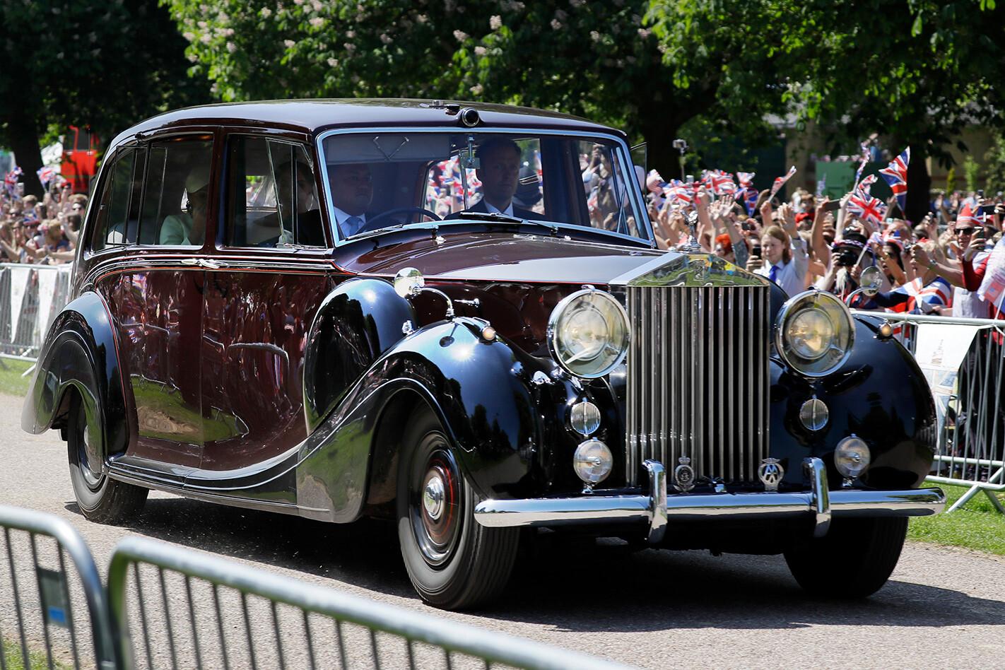 Royal Wedding Rolls Promenade Jpg