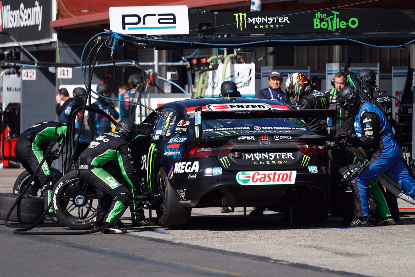 Supercars pit