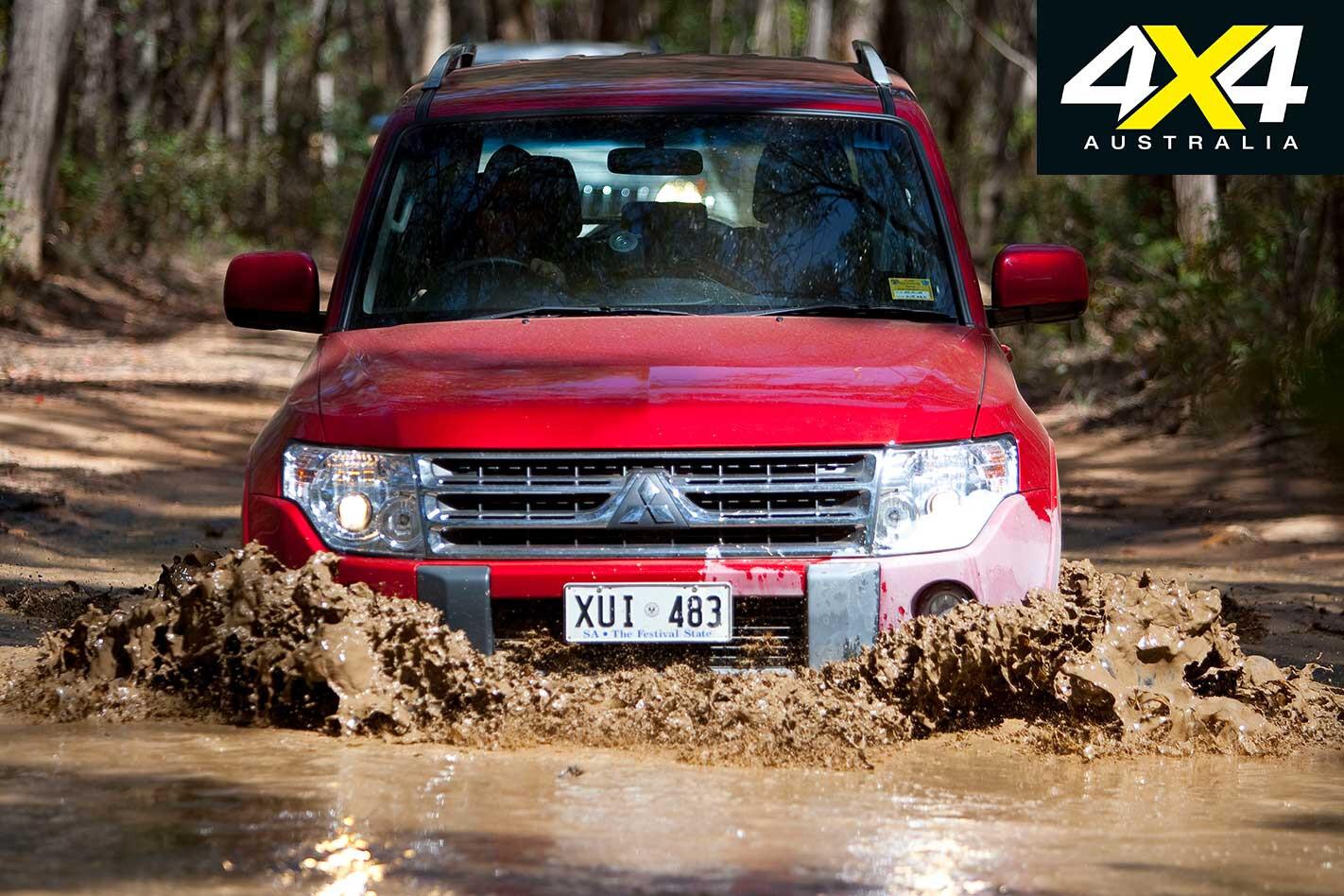 2009 Mitsubishi Pajero Mud Crossing Jpg