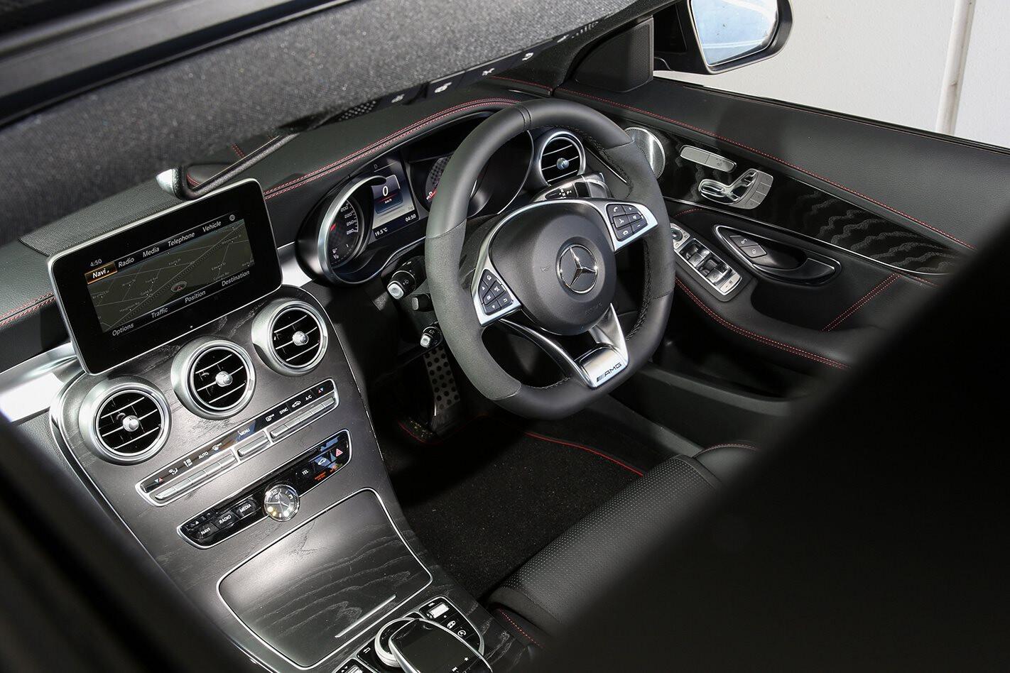 Mercedes AMG C 43 Interior Jpg
