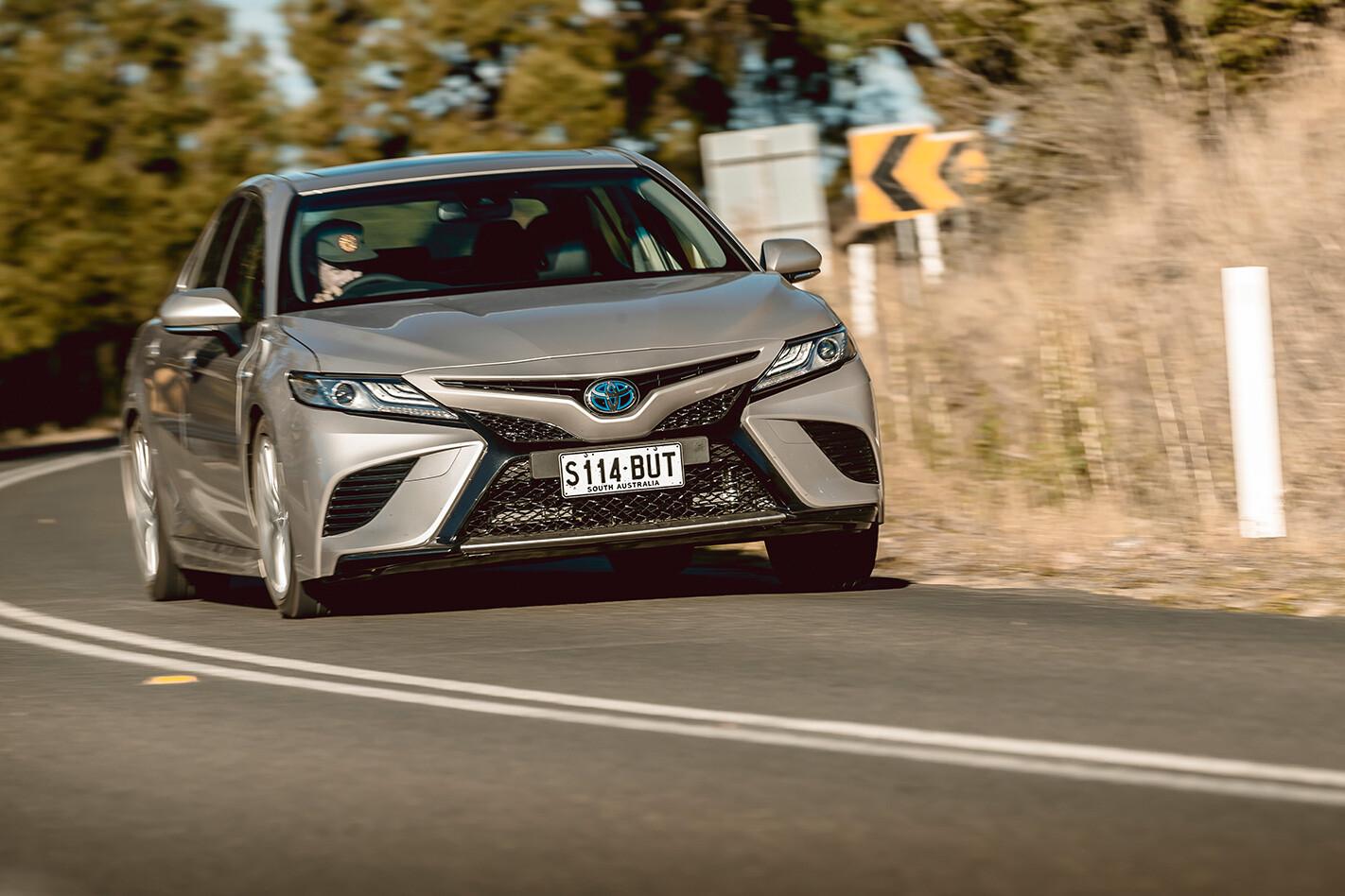 Toyota Camry Hybrid Sl Driving Jpg
