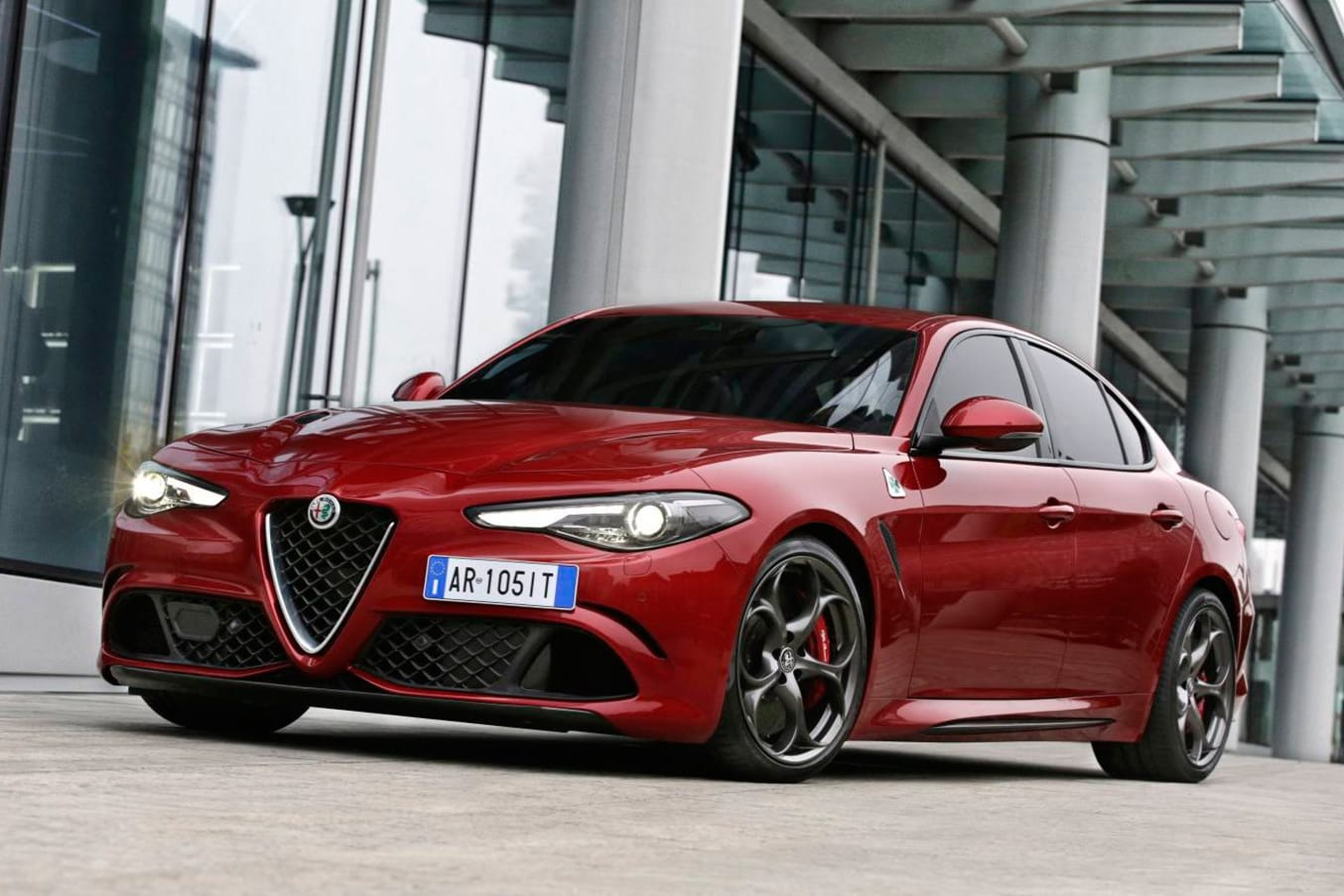 Alfa Romeo Giulia Qv Front Side Jpg
