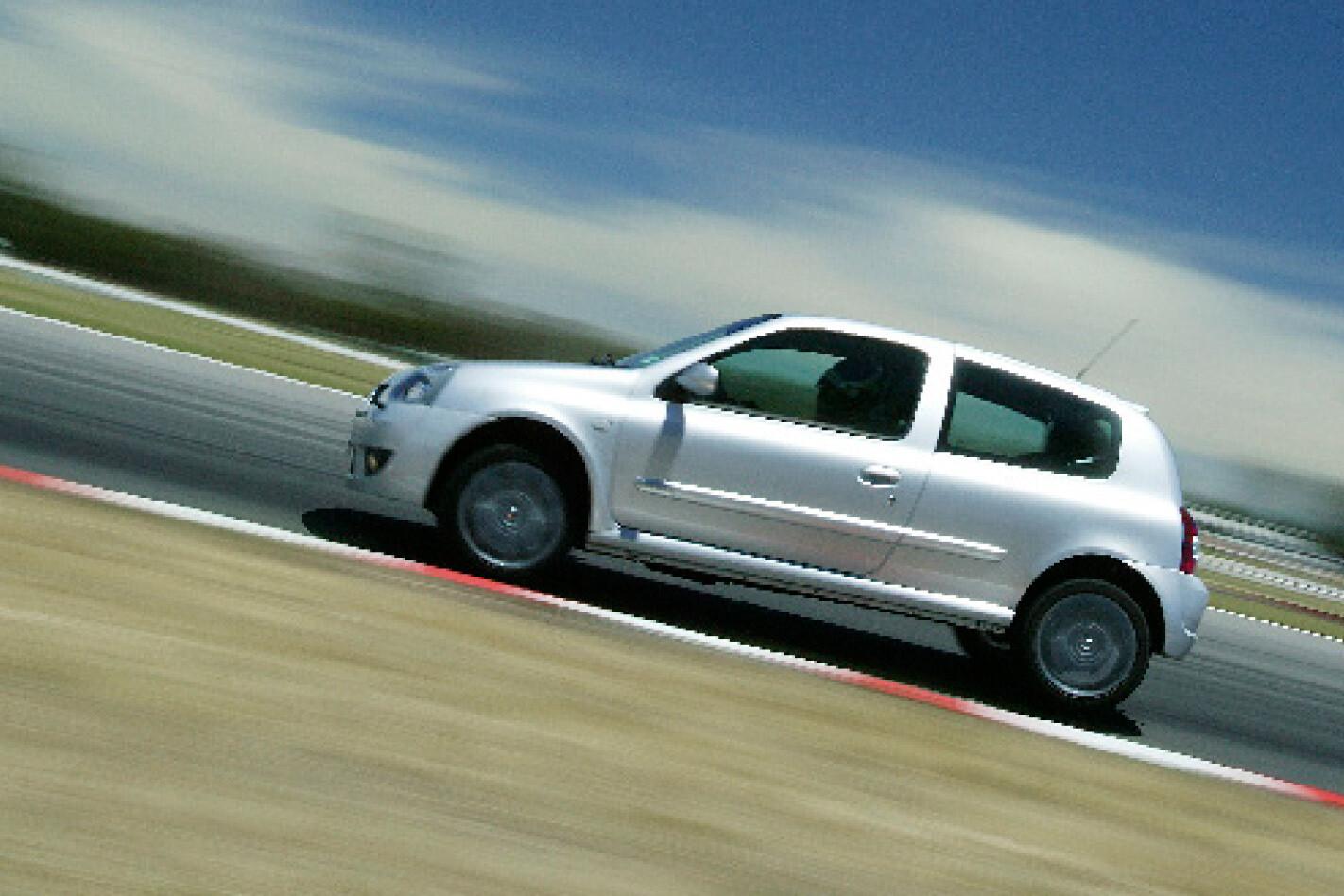2005-Renault-Sport-Clio-Cup-sie.jpg